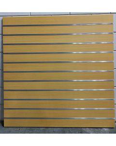 100 mm Warme houtnerf slatwall met profielen